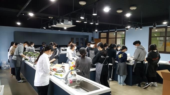 혁신 교육과 민주적 학교문화 조성하는 '행복교육공동체' 백석고등학교