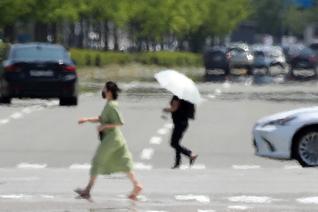 토요일 수도권 대체로 맑음, 낮 최고기온 30도 더위 '기승'
