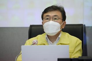 거리두기·5인 모임 금지 '3주 연장'…마지막일 가능성도