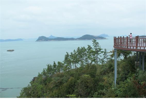 세방낙조 전망대의 전경 / 사진=전기홍 기자